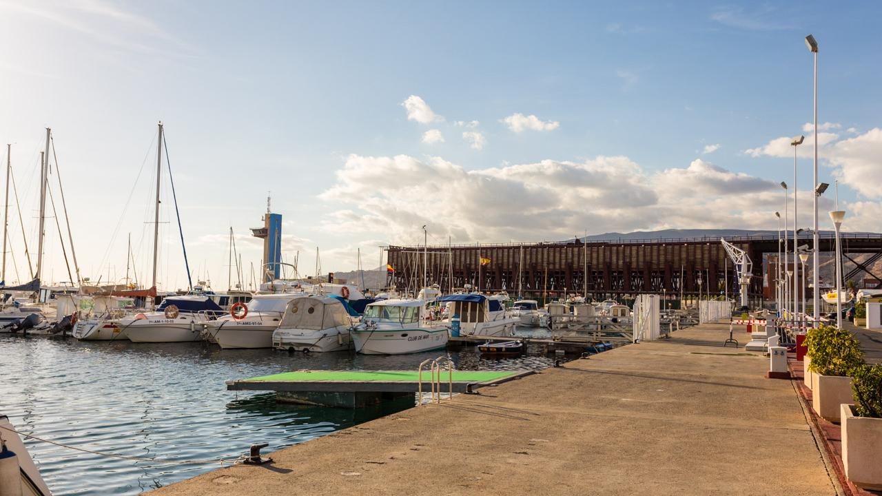 Filming almer a oficina provincial de cine puerto for Oficinas cajamar almeria